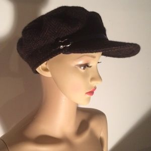 Burberry Newsboy Hat with Leather Trim M